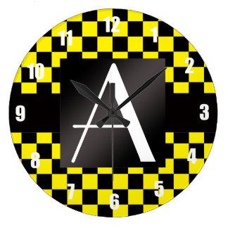 Inspectores amarillos y negros del monograma relojes