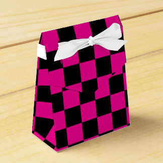Inspectores negros en fondo rosado cajas para detalles de boda