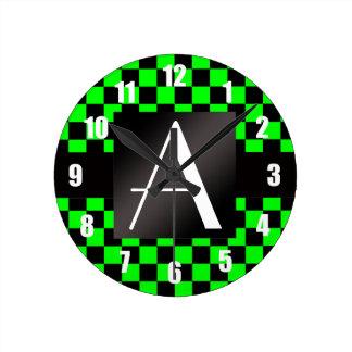 Inspectores verdes del monograma y negros de neón relojes de pared
