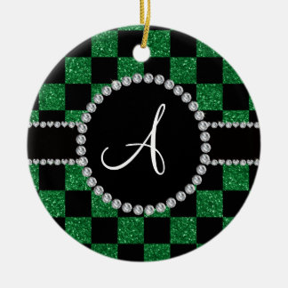 Inspectores verdes negros del brillo del monograma adorno navideño redondo de cerámica