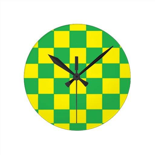 inspectores verdes y amarillos relojes