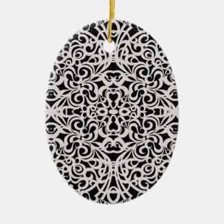 Inspiración barroca del estilo del ornamento adorno navideño ovalado de cerámica