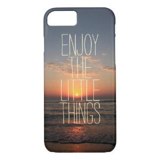 Inspirado disfrute de la pequeña cita de las cosas funda iPhone 7