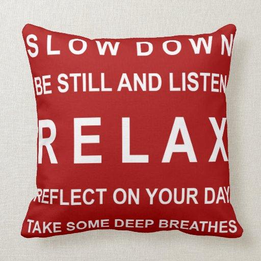 Inspirado rojo y blanco almohada