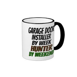 Instalador de la puerta del garaje de la caza taza
