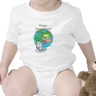 Instrucción día 8 de septiembre internacional trajes de bebé