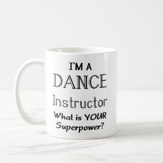 Instructor de la danza taza básica blanca