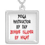 Instructor de la yoga del asesino del zombi colgante cuadrado