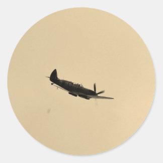 Instructor del Spitfire en vuelo Pegatina Redonda