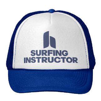 Instructor que practica surf gorros bordados