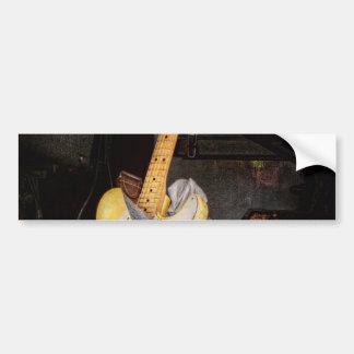 Instrumento - guitarra - que juega en una banda pegatina para auto