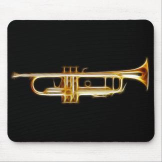 Instrumento musical del viento del cuerno de cobre alfombrillas de ratón