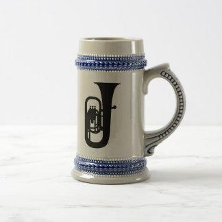 Instrumento negro de la tuba jarra de cerveza