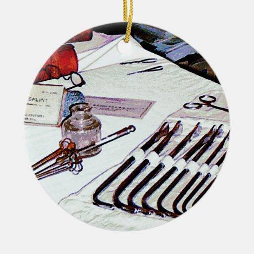 Instrumentos médicos adorno navideño redondo de cerámica