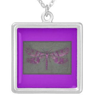 Intangled Mothra Colgante Cuadrado