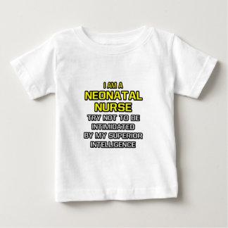 Inteligencia superior neonatal de la enfermera… camisetas