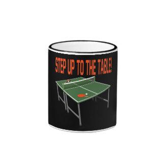 Intensifique a la tabla taza a dos colores