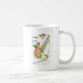 Intentos de la gallina para escapar el Fox Taza De Café