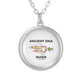 Interior antiguo de la DNA (réplica de la DNA) Colgante Redondo
