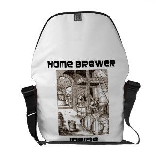 Interior casero del cervecero cervecería del sigl bolsas de mensajeria
