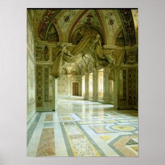 Interior con la vista de ángeles esculpidos posters