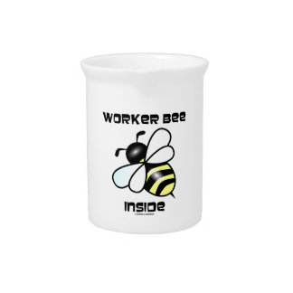 Interior de la abeja de trabajador (actitud de la jarra de beber
