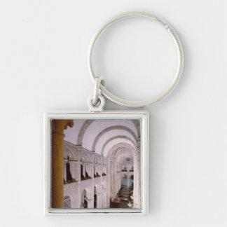 Interior de la catedral comenzada en 1078 llaveros