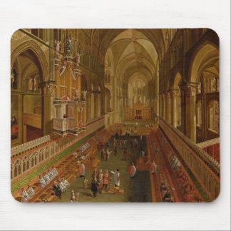 Interior de la catedral de Cantorbery, c.1675-1700 Alfombrillas De Ratones
