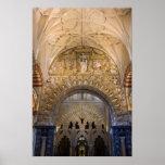 Interior de la catedral de Mezquita en Córdoba Poster