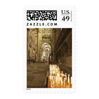 Interior de la catedral de San Pedro en Regensburg Franqueo