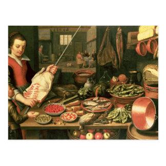 Interior de la cocina con una criada postales