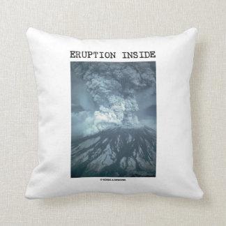 Interior de la erupción (el Monte Saint Helens) Cojín Decorativo