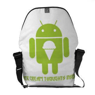 Interior de los pensamientos del helado insecto a bolsas de mensajeria