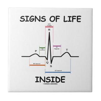 Interior de los signos de vida (electrocardiograma azulejo cerámica