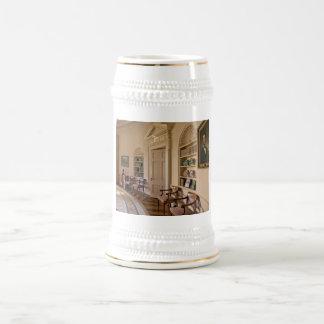 Interior de oro jarra de cerveza