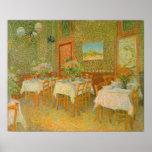 Interior de un restaurante de Vincent van Gogh Póster