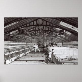 Interior de una fábrica de algodón póster
