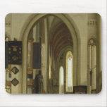 Interior de una iglesia con las figuras, 1685 mousepad