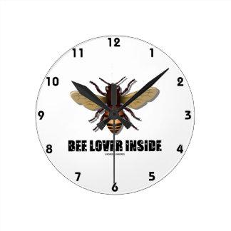 Interior del amante de la abeja (fuente de la letr reloj redondo mediano