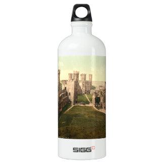 Interior del castillo de Caernarfon, Gwynedd, País Botella De Agua