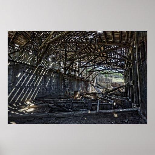 Interior del molino de la mina del fantasma del co posters