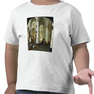 Interior del Oude Kerk en Delft Camiseta
