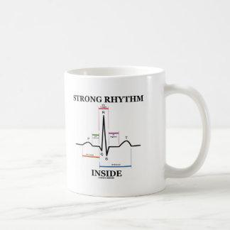 Interior fuerte del ritmo (latido del corazón de taza básica blanca