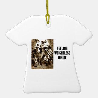 Interior ingrávido de sensación (Verne Adorno De Cerámica En Forma De Camiseta