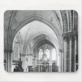 Interior view of the nave and the choir mouse pad