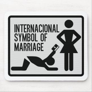 Internacional Symbol of Marriage Mouse Pad