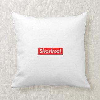 Interruptor de Sharkcat encima de la almohada