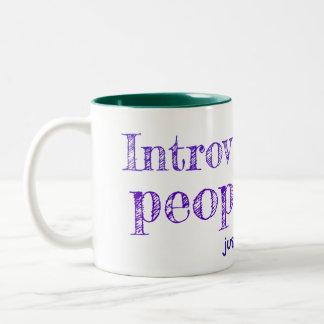 Introverts es gente también taza de dos tonos