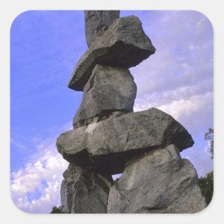 Inukshuk, territorios del noroeste, Canadá Calcomania Cuadrada Personalizada