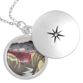 Inume Pass in Kai Province. Silver Plated Necklace